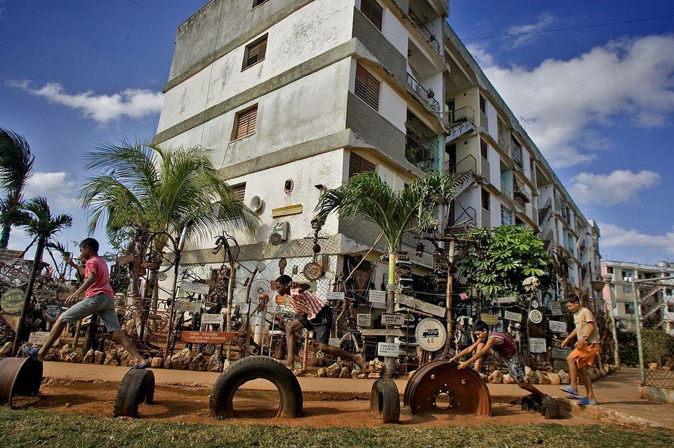 Alamar, la arquitectura del desastre en Cuba